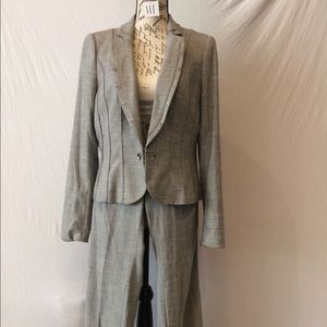 Lined Professional White House Suit